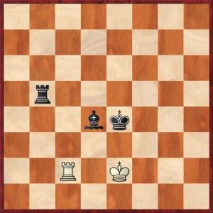 Posición clave de la Defensa de la Segunda Fila en el Final de Torre y Alfil contra Torre